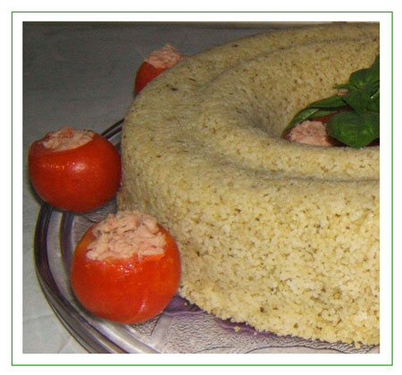 Couscous al pesto con pomodorini al tonno